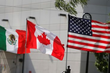 Trade war redux: U.S., Canada exchange trade tariffs